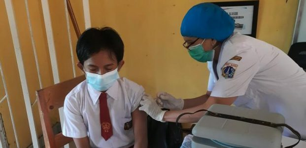 Ribuan Pelajar  Lakukan Vaksinasi di Jakarta Utara