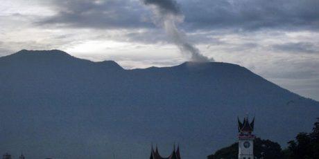 Gunung Marapi dua kali meletus, Status Waspada