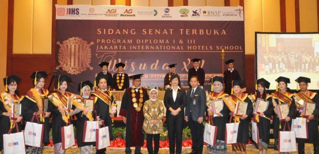 AKADEMI PARIWISATA JAKARTA INTERNATIONAL HOTELS, Gelar Wisuda Ke-15