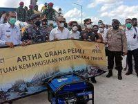 Gubernur NTT Viktor Serahkan Bantuan AGP di Pulau Sabu