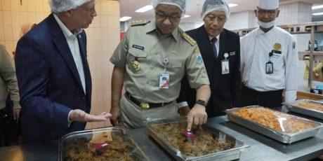 Hotel Borobudur Siapkan 800 Box Nasi Rendang untuk Dapur Qurban