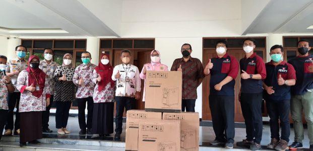 Penyerahan Bantuan Oxygen Concentrator Dari Artha Graha Peduli Di Terima Bupati Bogor