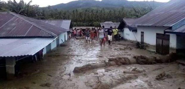 Akibat Sungai Di Poso Meluap, Ratusan Kepala Keluarga Mengungsi