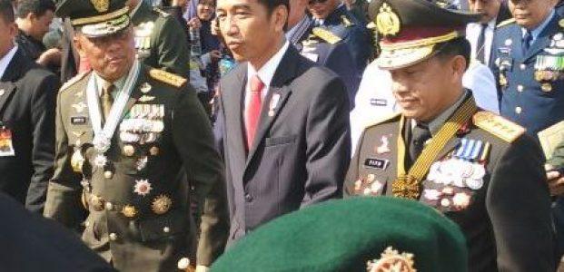 Jokowi di HUT TNI
