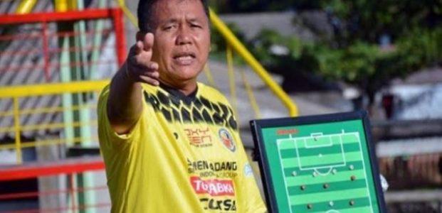 Syafrianto Rusli Mundur Sebagai Pelatih Semen Padang FC
