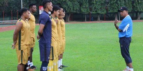 Latihan Perdana PS Tira Dipimpin Rahmad Darmawan
