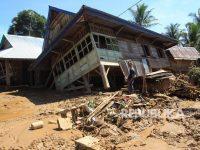 Kemensos Salurkan 140 Ton Beras untuk Korban Banjir Bengkulu